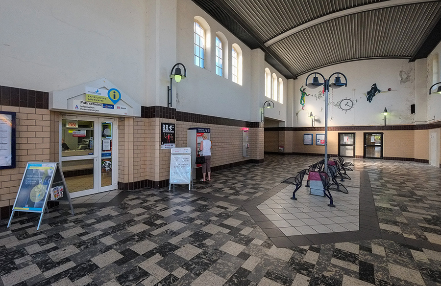 Bahnhof Löhne löhne umsteigen i konzept